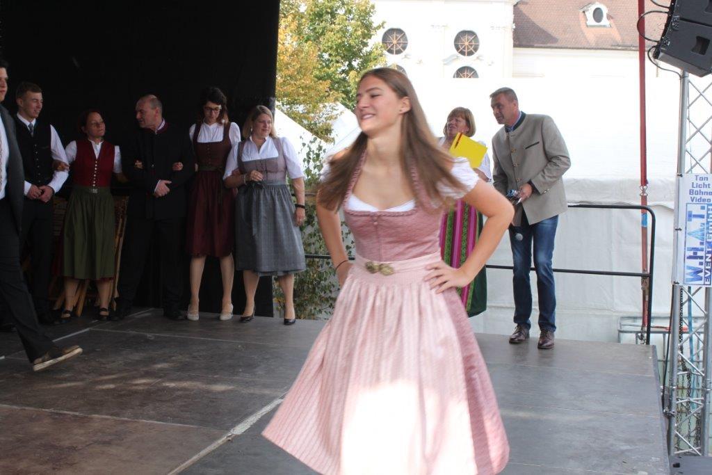 Trachtenmodenschau-2019-c-ARGE-Erdäpfelfest-Geras-94